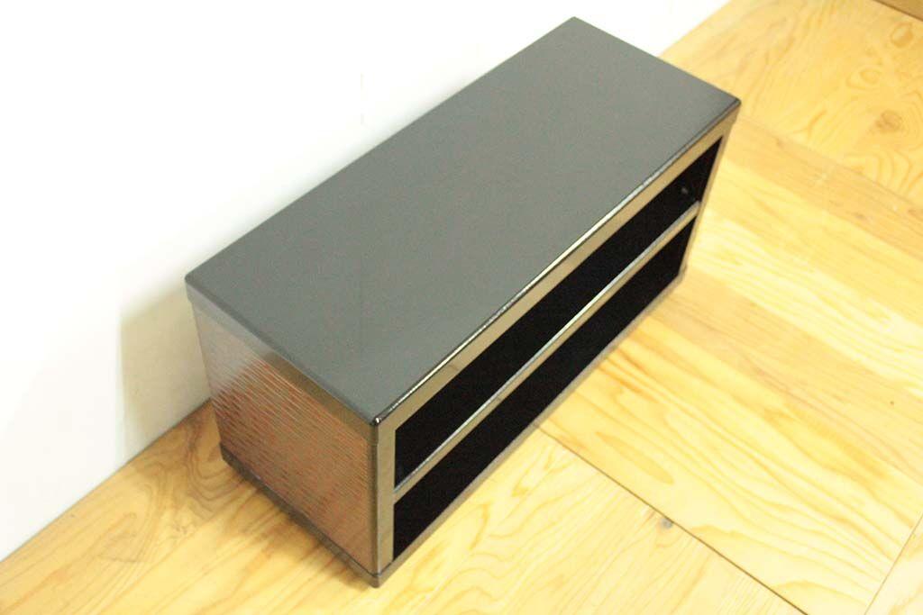 婚礼家具鎌倉彫クローゼット扉をテレビボードへリメイク ブラックエナメル仕上げ