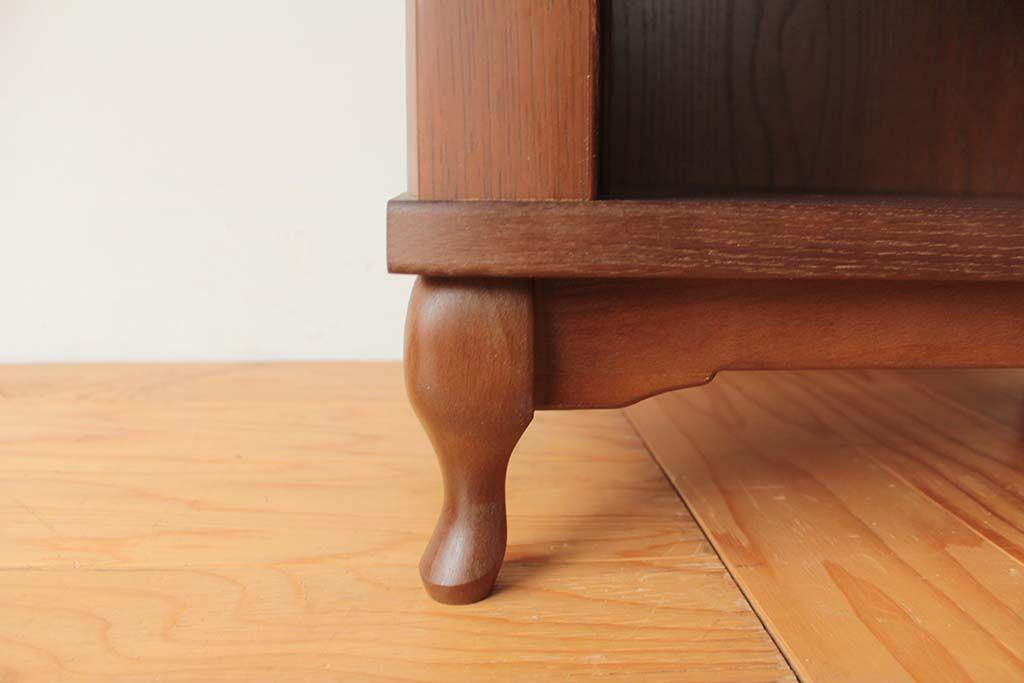 婚礼家具クローゼット扉から猫脚キャビネットにリメイク アンティーク調の猫脚