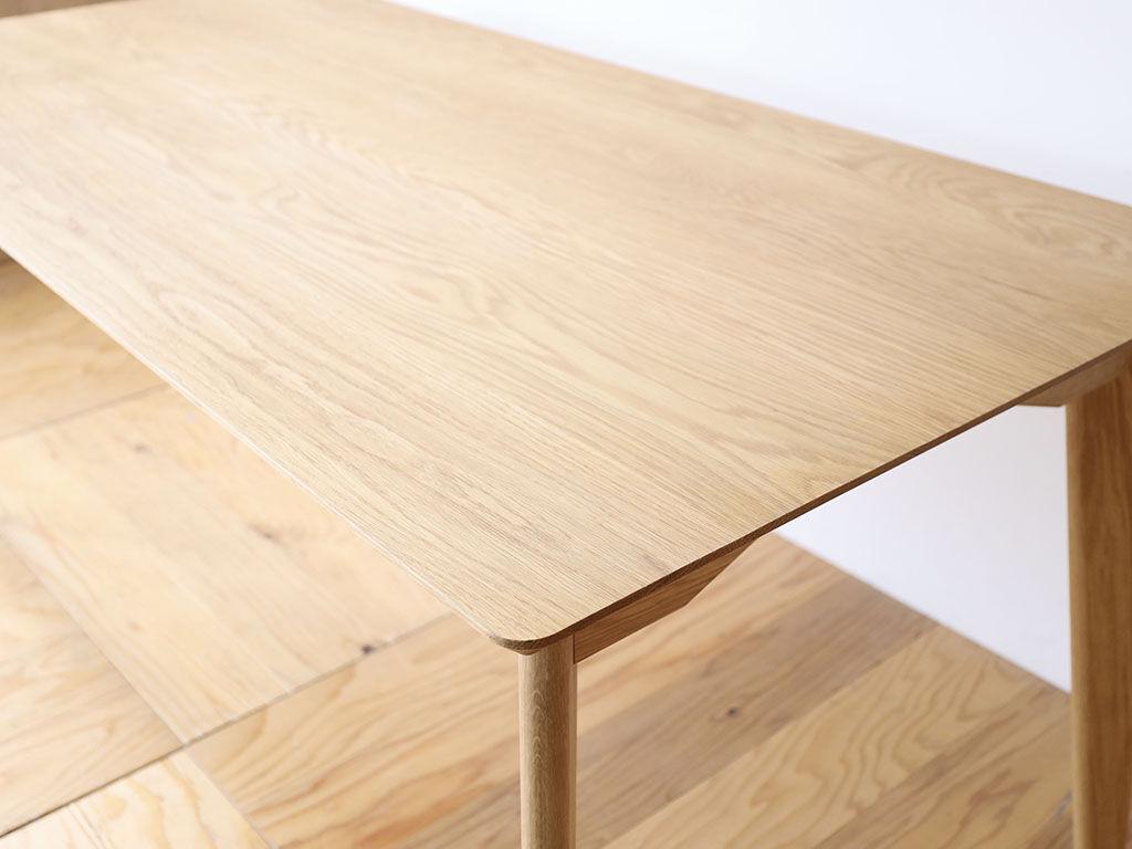 天板サイズを選べる「AZZI-Table」
