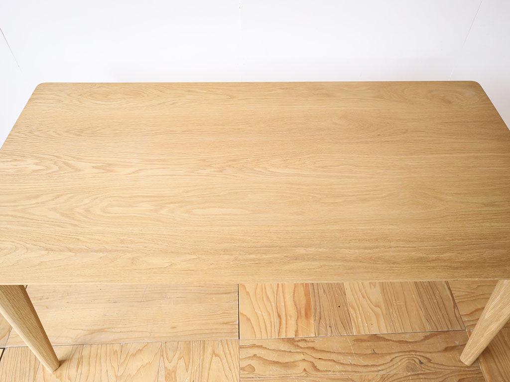 天板塗装をオイル仕上げ/ウレタン仕上げから選択可能