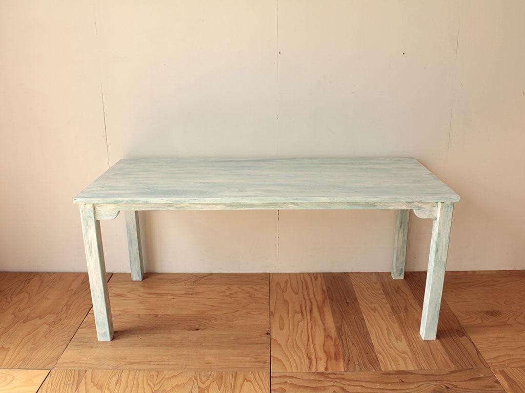 ブルー基調にシャビー加工を施したオーダーメイドテーブル