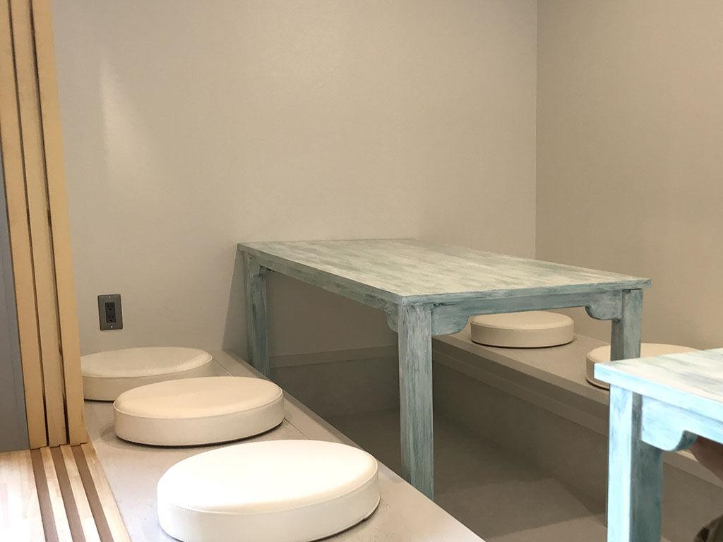 四万十のカフェ『Cafe n2』に納品させていただいたオーダーメイドテーブル