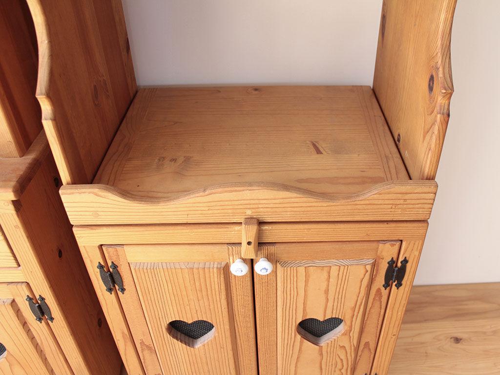 お客様の家具を構成する材料としてしっかり生かしながら見た目はまったく違う家具へとリメイク