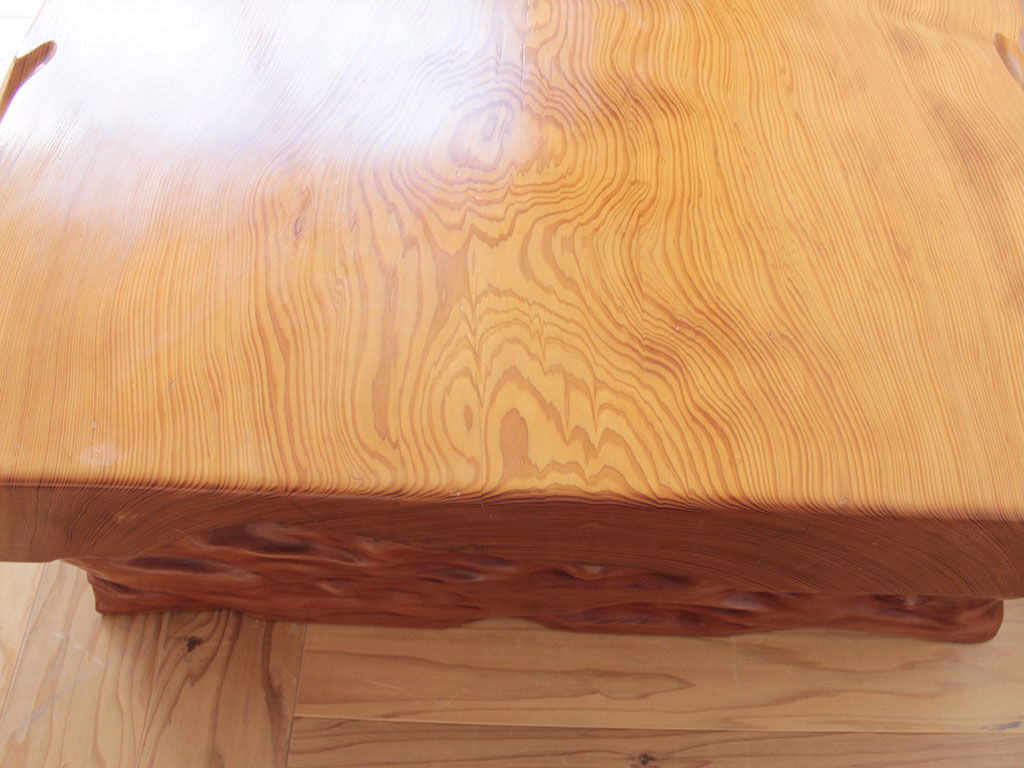 天板を薄くしてダイニングテーブルにしたいとリメイクご依頼いただいた座卓