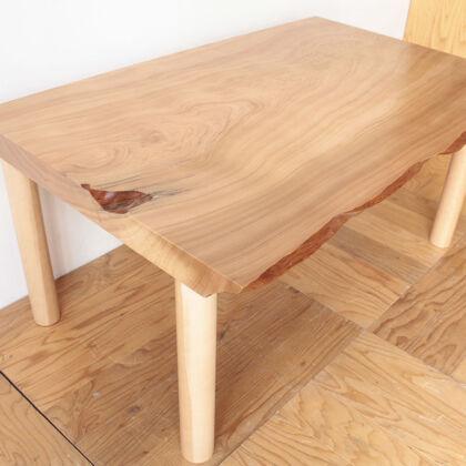 厚み15cmの座卓天板を半分にスライスしてダイニングテーブルにリメイク