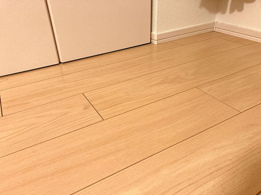多少の床の傾きが家具に影響