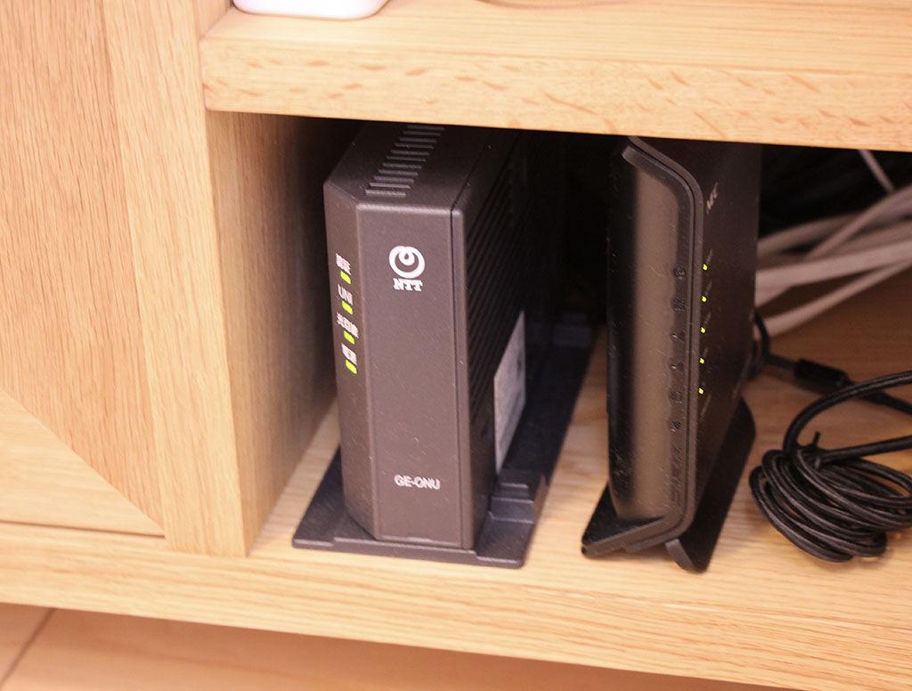 Wi-Fiルーター等を置けるテレビボードのオープンスペース