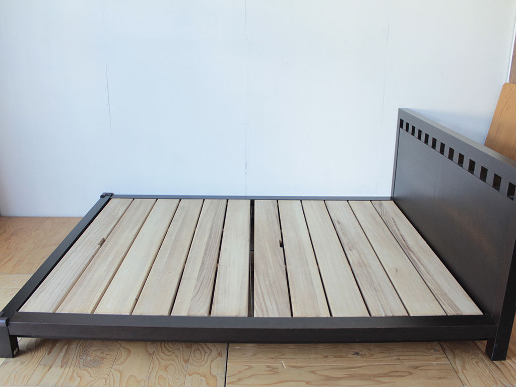 シングルサイズへのリサイズをご依頼いただいたクイーンサイズのベッド