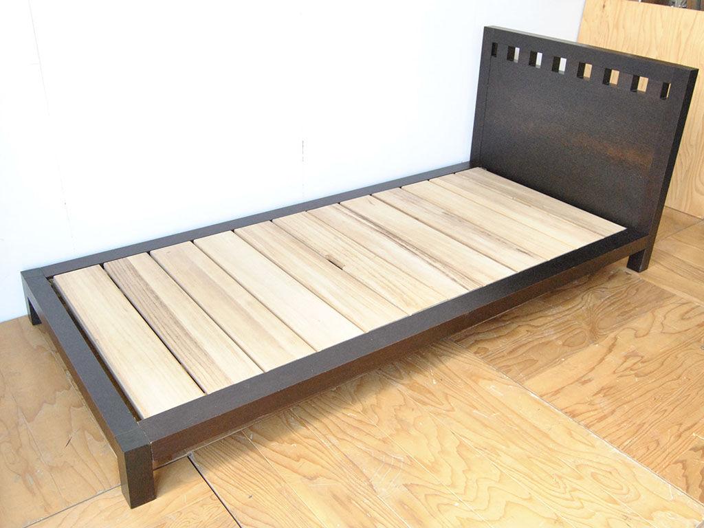 クイーンサイズからシングルサイズにリメイクしたベッド