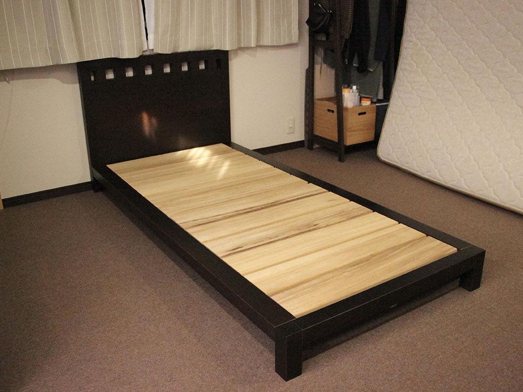 ベッドがシングルサイズになりお部屋も広々