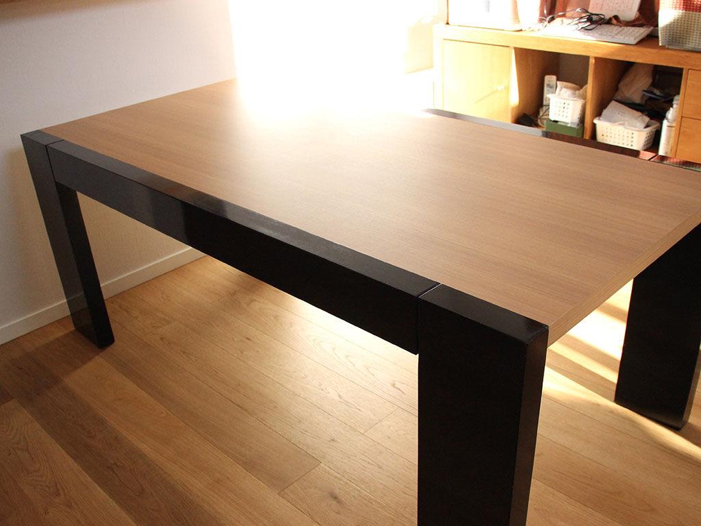 安定感を再現するため細部まで造りにこだわってリメイクしたダイニングテーブル