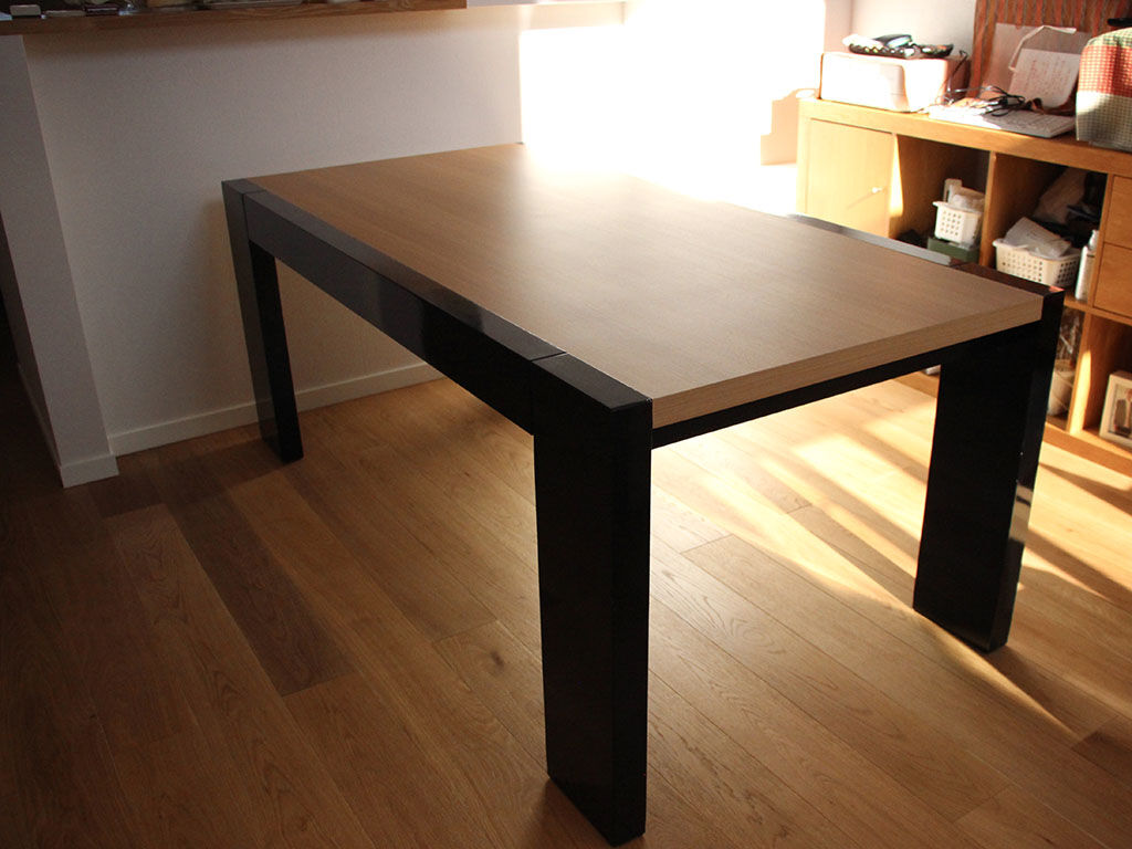 天板をW2100からW1800にリサイズして全体を美装したダイニングテーブル