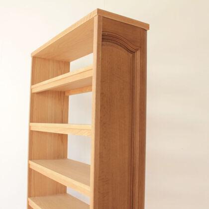 本が大好きと仰るお客様宅に納品させていただいた本棚