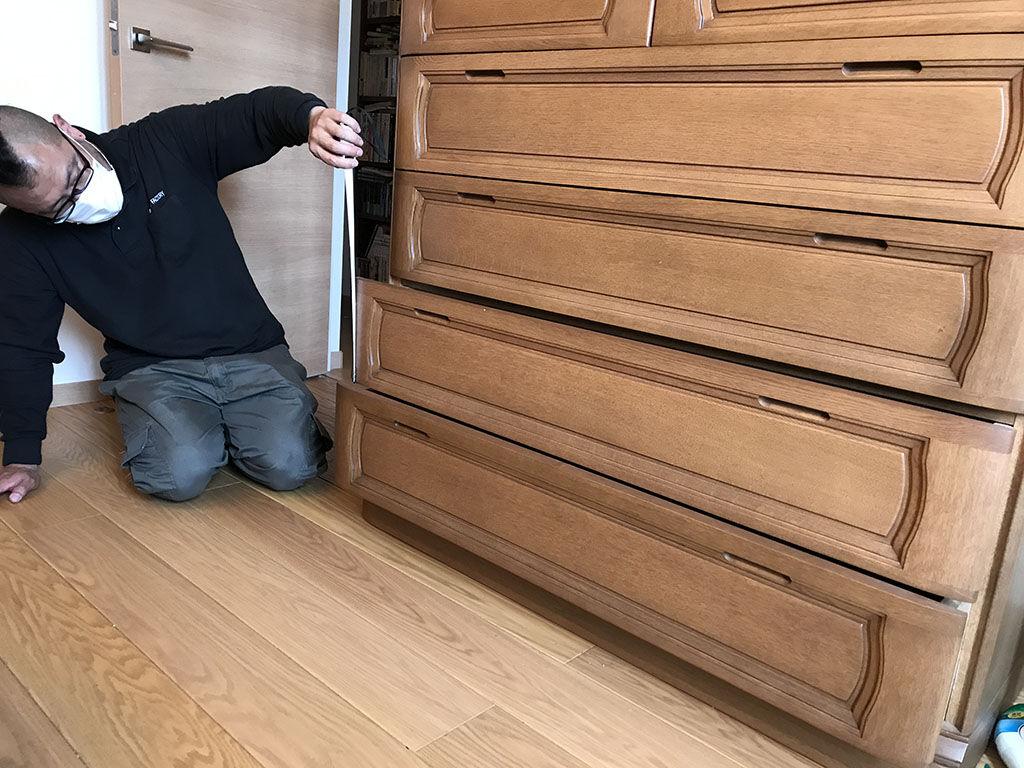 和タンスの各部分の高さを測ってリサイズ方法を検討