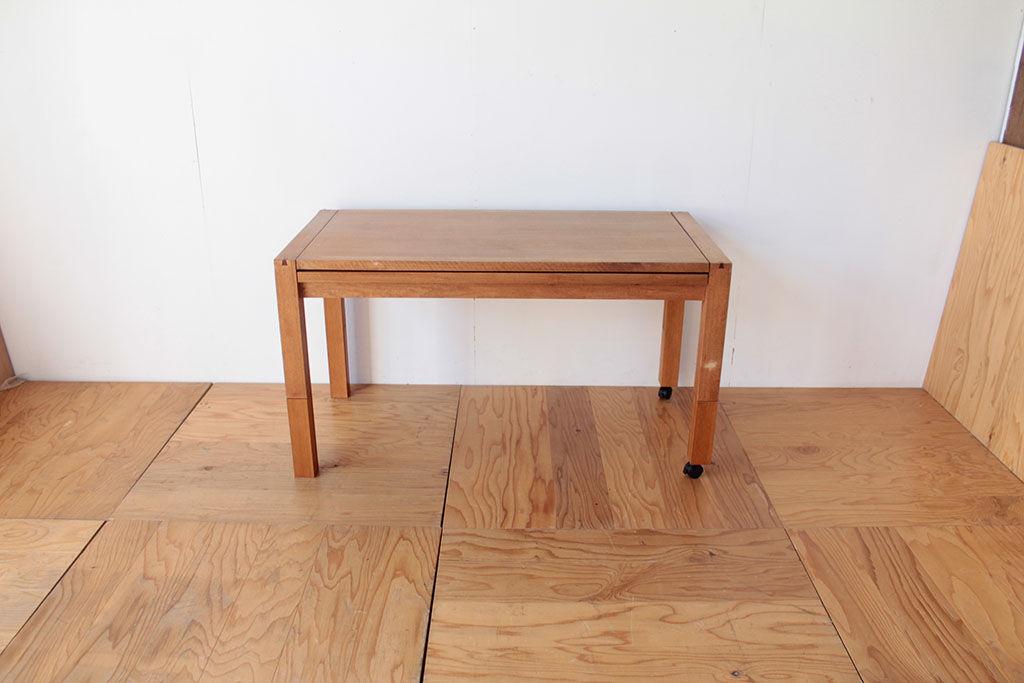 脚を継ぎ足し高さを650mmにアップしたテーブル