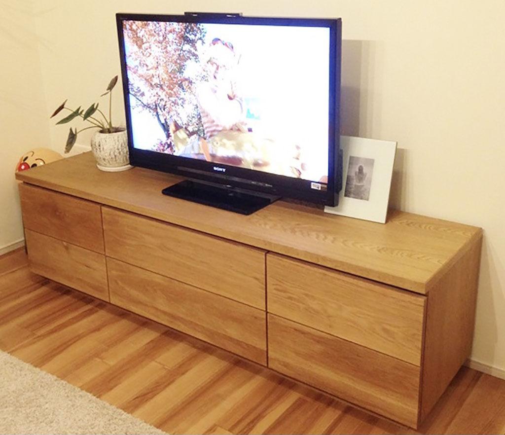 全面木製タイプのテレビボード