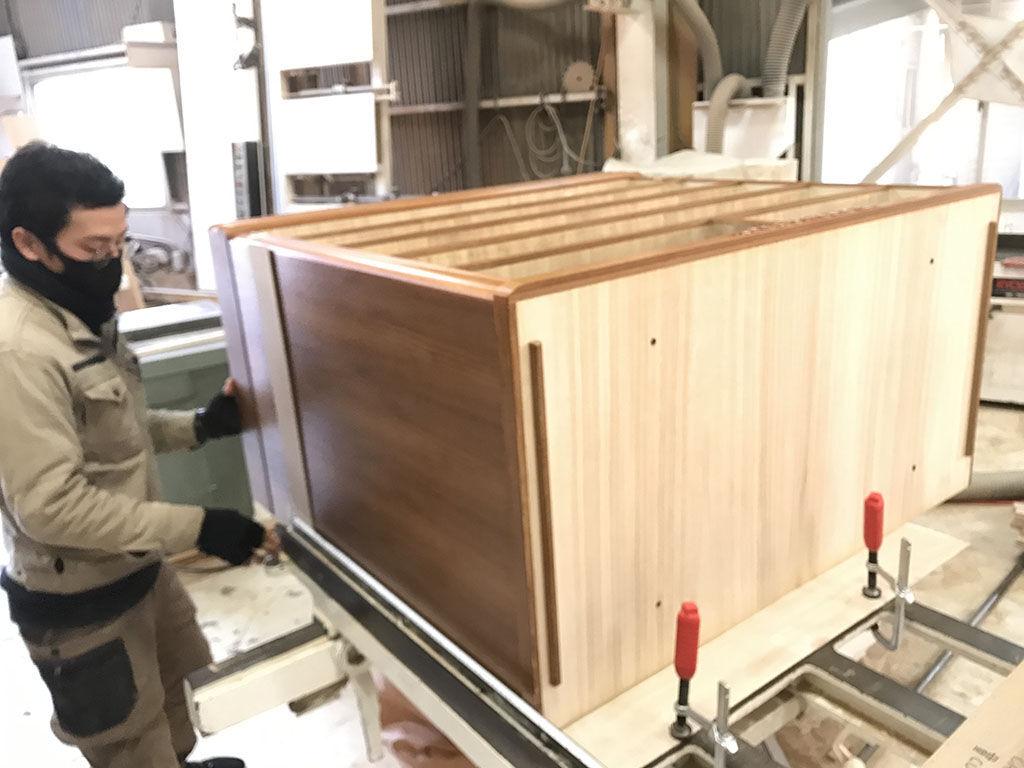同時に製作を進める家具の数が増えている淡路島工房