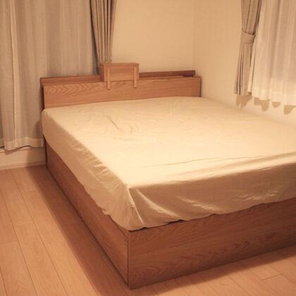 オーダーメイドのクイーンサイズベッド