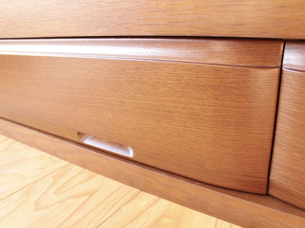 ベッド下収納に使用した婚礼家具の引き出し