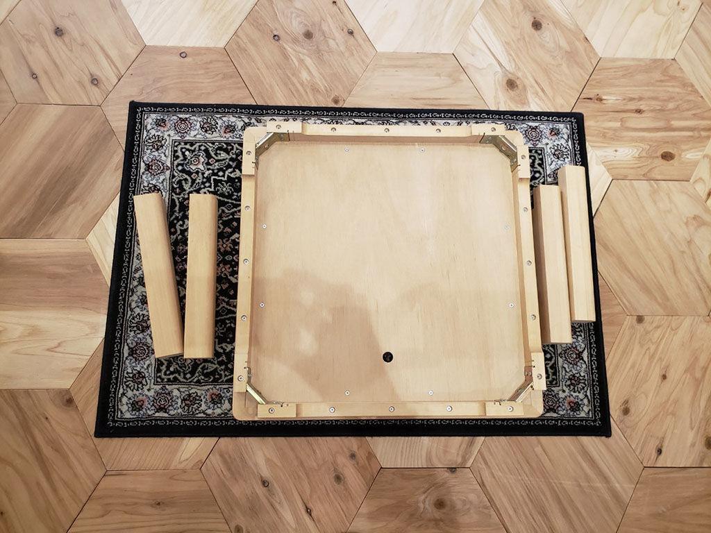 『JYU-NI TABLE』の組み立て