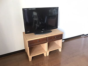 テレビボードの引き出しを生かしてナイトテーブルにリメイク アイキャッチ