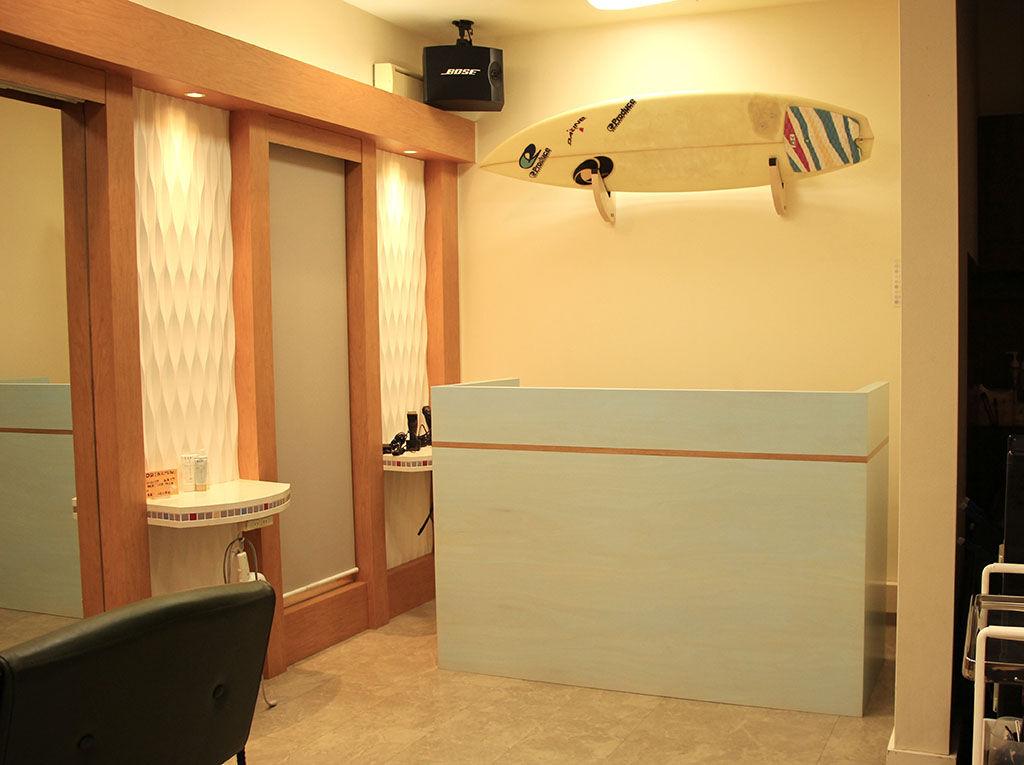 美容室『Remake』様に納品させていただいたオーダーメイドDJブース