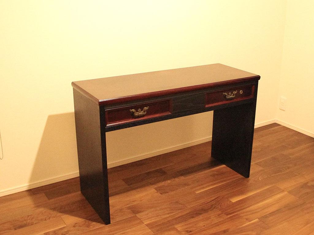お部屋の雰囲気にお似合いのリメイクコンソールテーブル