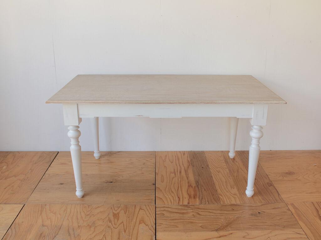 W1500×D850からW1000×D500にリサイズをご依頼いただいたテーブル