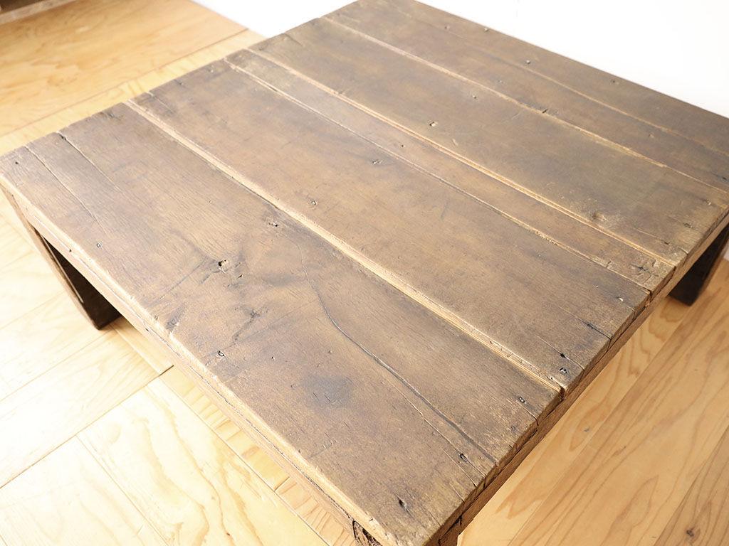 台風の浸水被害にあったテーブルを綺麗にレストア
