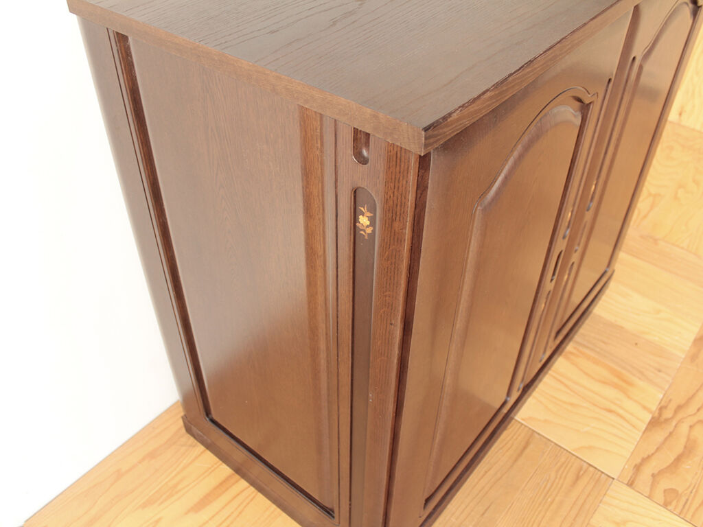 洋服タンスの扉を和タンスの側板に加工してリメイク