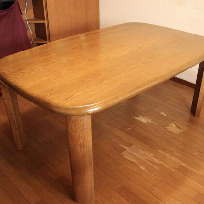 お客様はテーブル天板の自然な仕上がりに驚き喜んでくださいました
