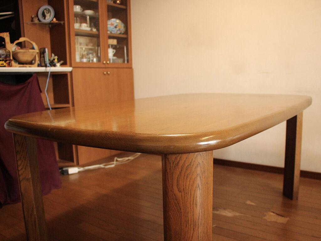 W1900の天板を小さくリサイズしたダイニングテーブル