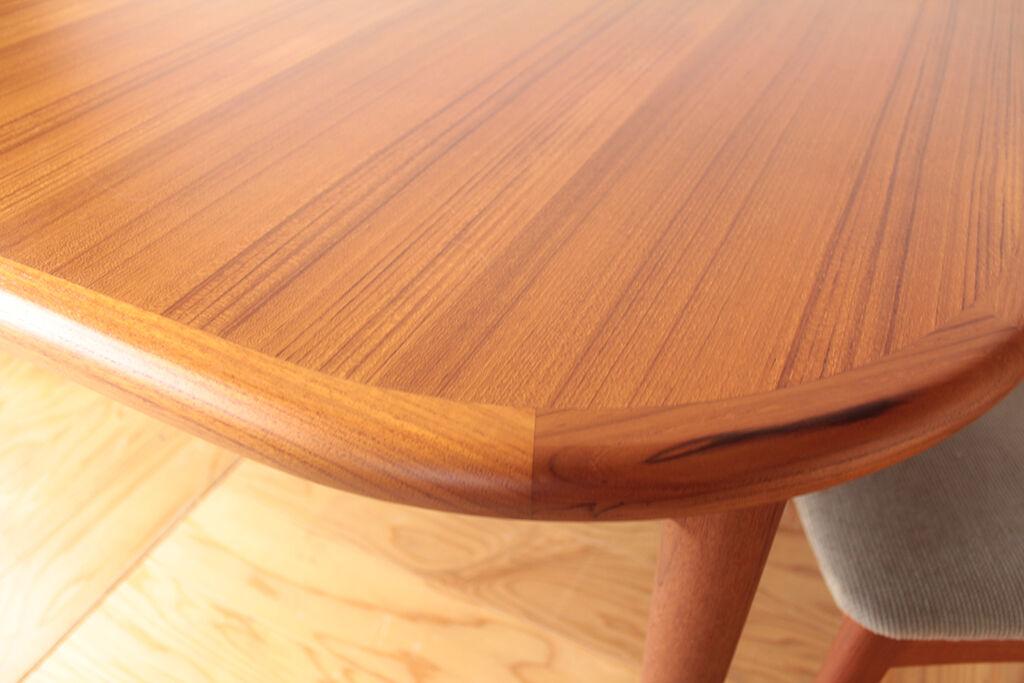 お客様のご実家で使われていたという思い出の伸縮式ダイニングテーブル