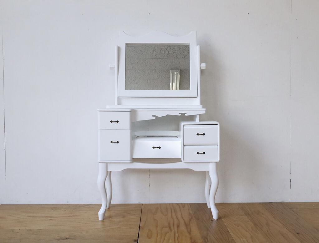 50年前の鏡台をリメイクして白塗装フレンチスタイルの猫脚ドレッサーに