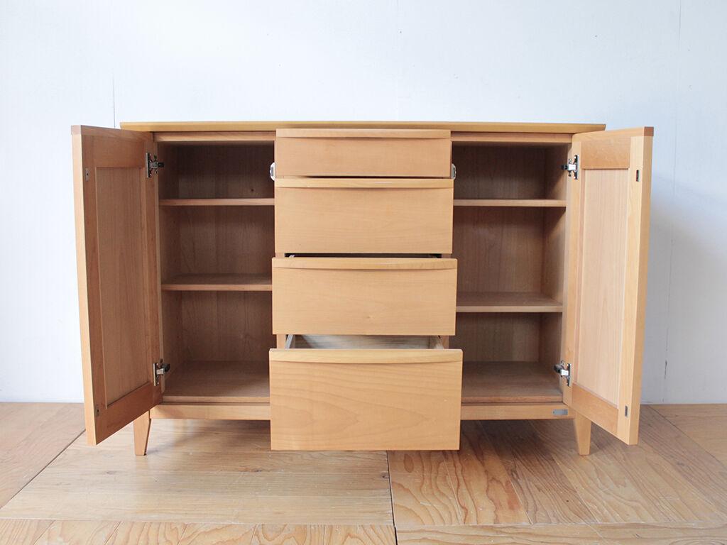 元の食器棚と同じように収納を使えるようにリメイク