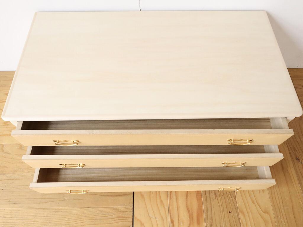 着物収納用の桐の引き出しを木肌の美しいシナ材と組み合わせてリメイク