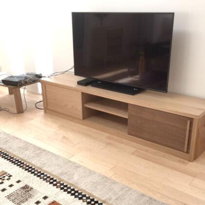 お客様宅でテレビを設置したテレビボード