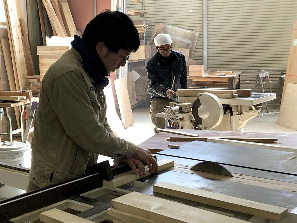 お客様の理想を実現するための手立てを考えて家具製作
