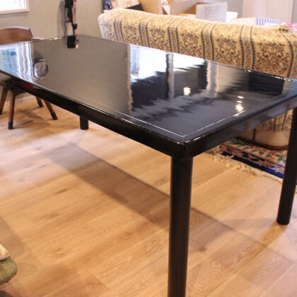 料亭の座卓をリメイクしたダイニングテーブルをお客様のご新居に納品