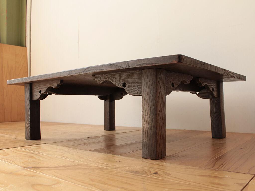 座卓の天板はそのまま活かし新しく脚を取り付けてダイニングサイズにリメイクすることに