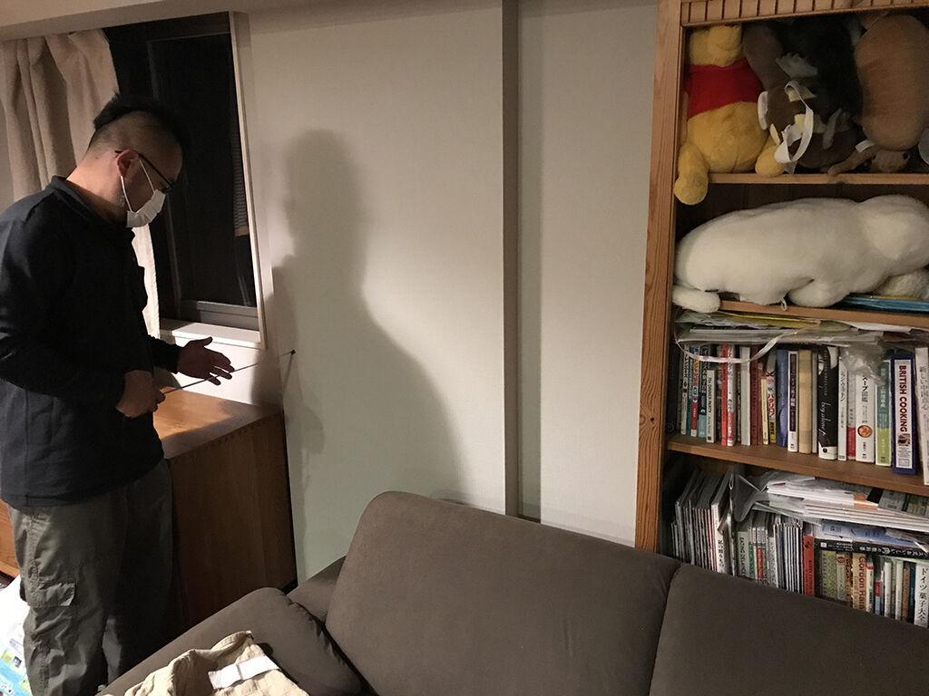 ベビーベッドをリメイクした後の本棚設置場所