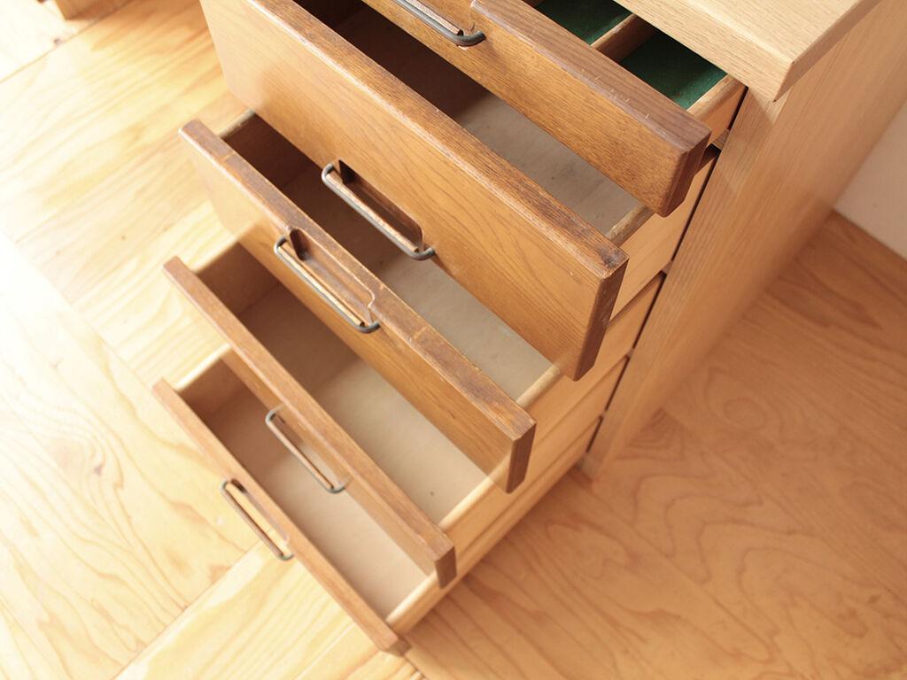 食器棚の引き出し寸法に合わせて箱体を製作