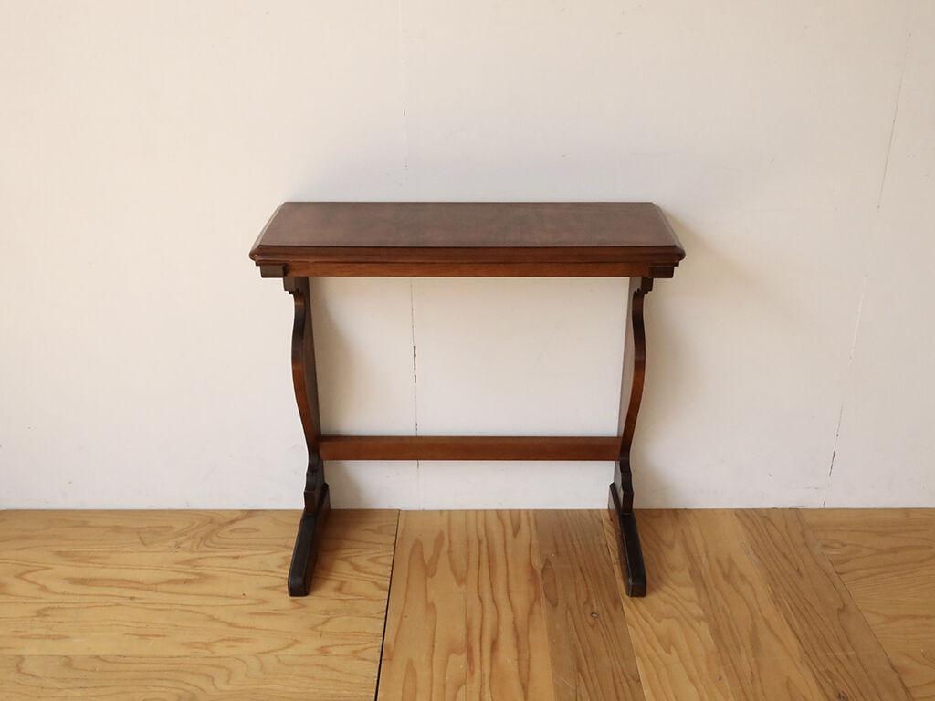 ダイニングテーブルの天板と脚を生かしたコンソールテーブル
