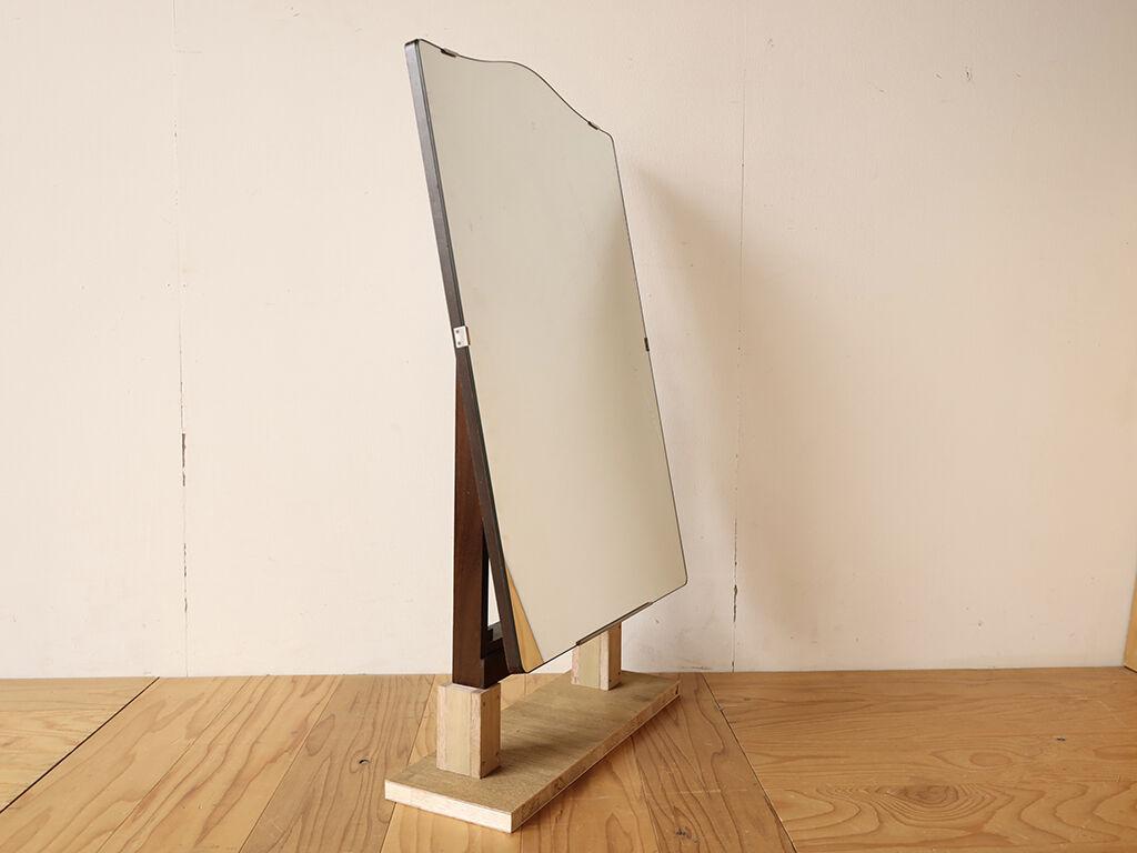 鏡台の鏡を卓上ミラーとして使えるようにリメイクするための施策