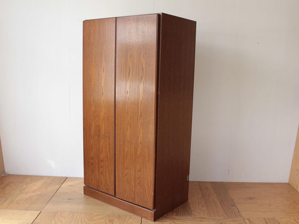 楕円形の座卓にリメイクしたいとご相談いただいた洋服タンス
