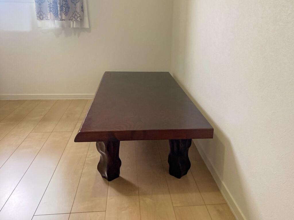 奥行きを縮めてスリムになった座卓