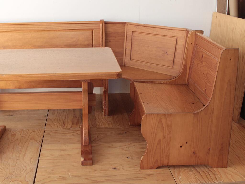 2脚のスツールにリメイクするベンチ