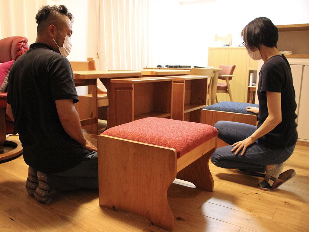 リメイク完成した4種類計7点の家具をお客様宅に納品