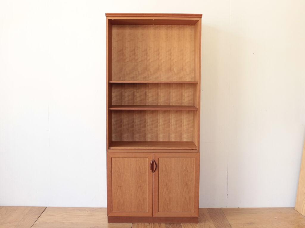 ライティングビューローにリメイクしたいとご相談いただいたチェリー材の本棚