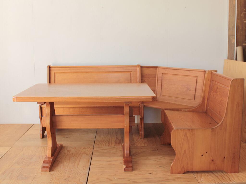 リメイクをご依頼いただいたパインのダイニングテーブルと3つのベンチ